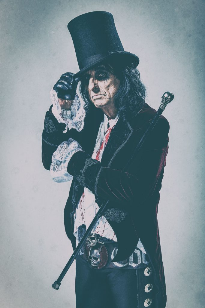Alice Cooper_Paranormal_press pictures_online_print_copyright earMUSIC_credit Rob Fenn_3